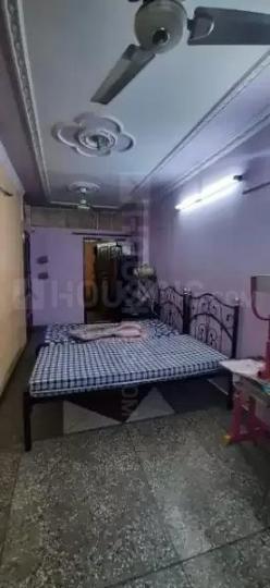 करोल बाग में भविका पीजी में बेडरूम की तस्वीर