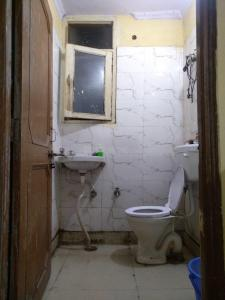 Bathroom Image of PG 3807035 Badarpur in Badarpur