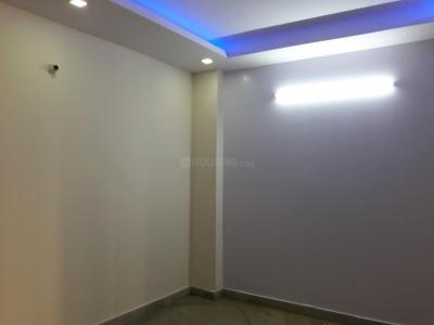Gallery Cover Image of 900 Sq.ft 3 BHK Independent Floor for buy in Burari for 3800000