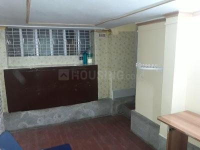 Gallery Cover Image of 600 Sq.ft 3 BHK Independent Floor for rent in Dhakuria for 20000