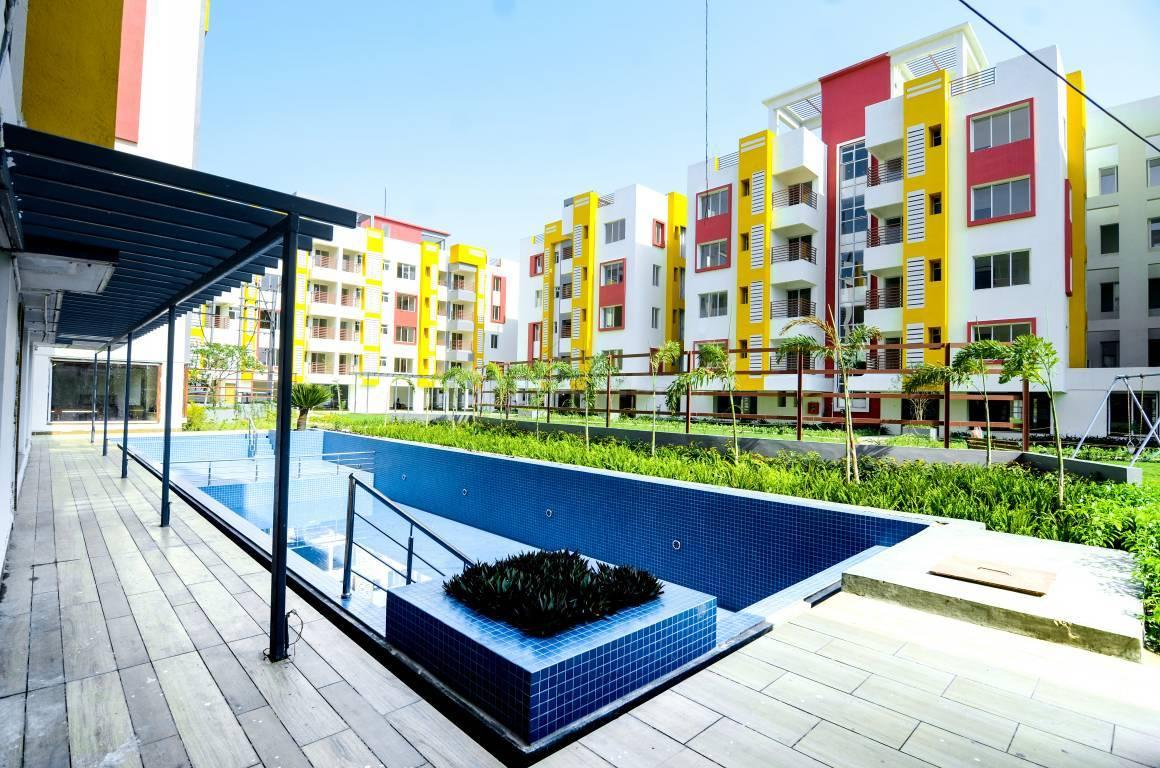 Swimming Pool Image of 985 Sq.ft 2 BHK Apartment for buy in Sonarpur for 4050000
