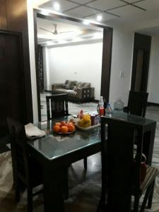 Gallery Cover Image of 1800 Sq.ft 4 BHK Apartment for rent in Sarita Vihar for 55000