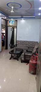 Gallery Cover Image of 750 Sq.ft 2 BHK Independent Floor for buy in Mayur Vihar Phase 1 for 2800000