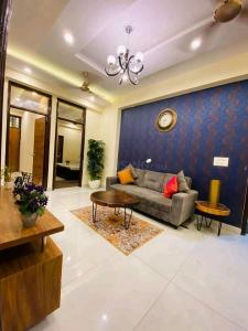 Gallery Cover Image of 2145 Sq.ft 3 BHK Apartment for buy in Rajnagar Residency, Raj Nagar Extension for 9950000