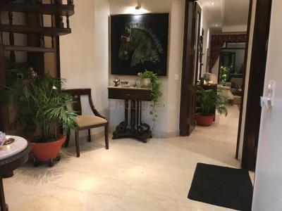 Gallery Cover Image of 3950 Sq.ft 4 BHK Independent Floor for rent in Dhingra Floors Vasant Vihar , Vasant Vihar for 225000