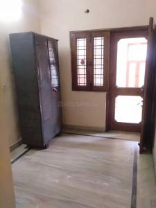 Gallery Cover Image of 2000 Sq.ft 3 BHK Independent Floor for rent in Paschim Vihar for 26500