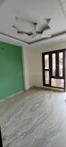 Gallery Cover Image of 1800 Sq.ft 4 BHK Independent Floor for buy in Kaushambi for 11900000