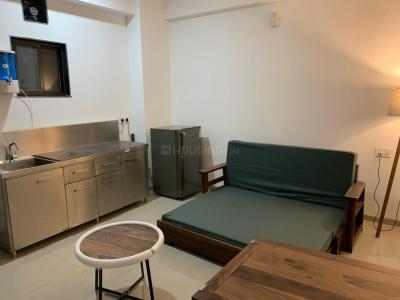 Gallery Cover Image of 340 Sq.ft 2 BHK Apartment for rent in DLF Phase 3 for 26000