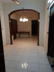 Gallery Cover Image of 1400 Sq.ft 3 BHK Independent House for rent in Teynampet for 25000