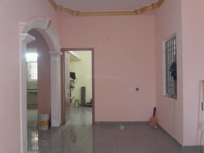 Gallery Cover Image of 700 Sq.ft 2 BHK Apartment for rent in Kolathur for 15000