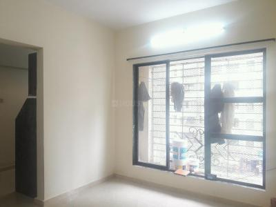 Gallery Cover Image of 650 Sq.ft 1 BHK Apartment for rent in Kandivali East for 19000