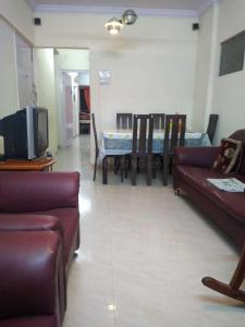 Gallery Cover Image of 525 Sq.ft 1 BHK Apartment for buy in Andheri West for 9000000