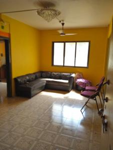Gallery Cover Image of 550 Sq.ft 1 BHK Apartment for rent in Kalyan West for 7500