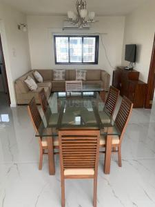 Gallery Cover Image of 1450 Sq.ft 2 BHK Apartment for rent in Landmark, Bandra West for 200000