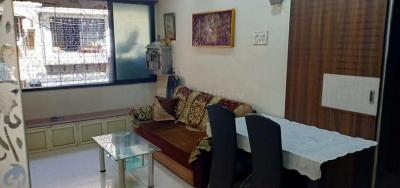 Gallery Cover Image of 1000 Sq.ft 3 BHK Apartment for rent in Santacruz West for 70000