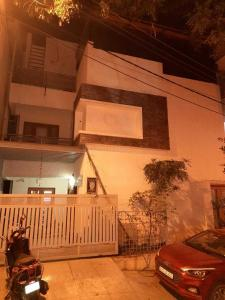 Gallery Cover Image of 1100 Sq.ft 4 BHK Independent House for buy in Kamala Nagar for 20000000