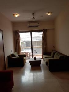 Gallery Cover Image of 800 Sq.ft 2 BHK Apartment for rent in Khar West for 125000