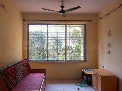 Gallery Cover Image of 585 Sq.ft 1 BHK Apartment for buy in Kandivali East for 9500000