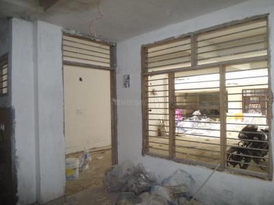 Gallery Cover Image of 450 Sq.ft 1 BHK Independent Floor for buy in Govindpuram for 1200000