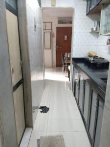 Gallery Cover Image of 420 Sq.ft 1 RK Apartment for buy in Hari Om Apartment, Borivali West for 7200000