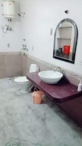 Bathroom Image of Dreem House PG in Sector 23A