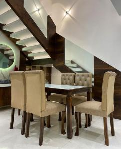 Gallery Cover Image of 3558 Sq.ft 4 BHK Independent House for buy in Madhav Bunglow, Vasai West for 31000000