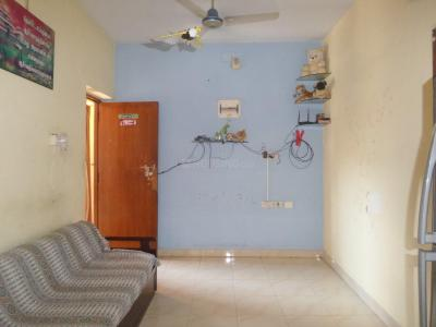 Gallery Cover Image of 650 Sq.ft 2 BHK Apartment for buy in Velachery for 4000000