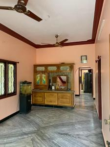 Gallery Cover Image of 1200 Sq.ft 2 BHK Independent Floor for rent in Chitlapakkam for 15000