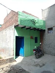 Gallery Cover Image of 300 Sq.ft 1 BHK Independent House for rent in Lal Kuan for 5000