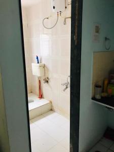 Bathroom Image of Girls PG On Rent In Vanraji Heights in Kothrud