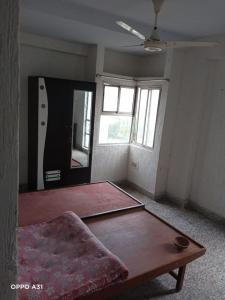 Gallery Cover Image of 1250 Sq.ft 2 BHK Apartment for rent in Ambawadi for 15000