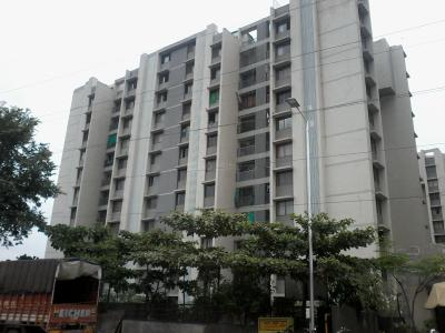 Gallery Cover Image of 1800 Sq.ft 3 BHK Apartment for rent in Savvy Solaris, Acher for 15000