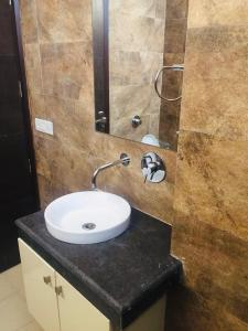 Bathroom Image of The Safehouse PG in DLF Phase 1