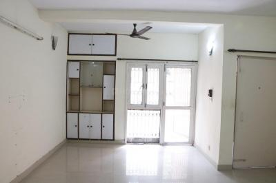 Gallery Cover Image of 1800 Sq.ft 3 BHK Apartment for rent in Sarita Vihar for 35000