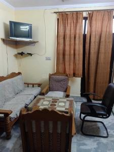 Gallery Cover Image of 449 Sq.ft 1 BHK Independent Floor for rent in Bindapur for 10000