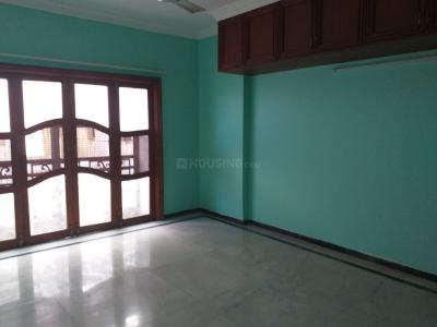 Gallery Cover Image of 2200 Sq.ft 3 BHK Apartment for rent in Raja Annamalai Puram for 80000