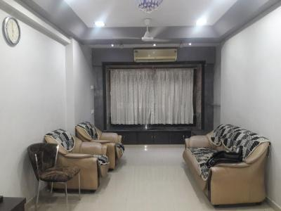 Gallery Cover Image of 1200 Sq.ft 2 BHK Apartment for rent in Juhu for 67000