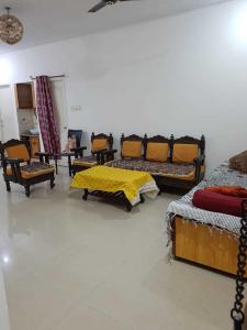 Gallery Cover Image of 1211 Sq.ft 2 BHK Apartment for rent in Pallavaram for 23000