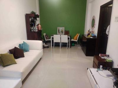 Gallery Cover Image of 572 Sq.ft 1 BHK Apartment for rent in Colaba for 75000