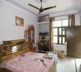 Bedroom Image of PG 4036037 Pul Prahlad Pur in Pul Prahlad Pur