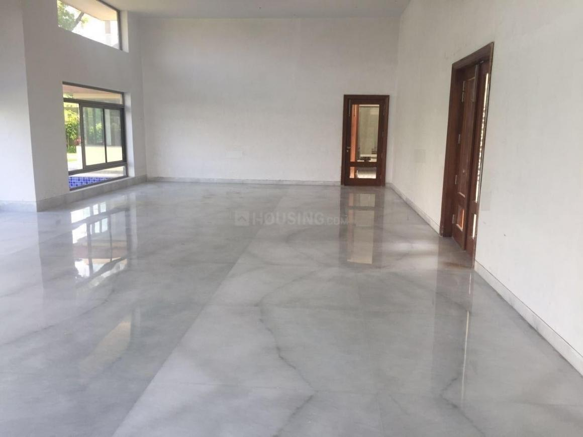 Living Room Image of 15500 Sq.ft 5+ BHK Independent House for buy in Dera Mandi for 16000000