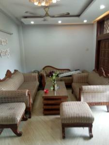 Gallery Cover Image of 1400 Sq.ft 3 BHK Independent Floor for buy in Malviya Nagar for 13000000