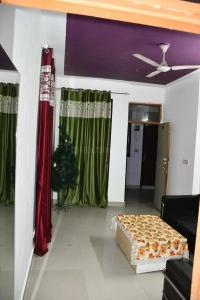 Gallery Cover Image of 3000 Sq.ft 1 BHK Apartment for rent in Vasant Kunj for 15000