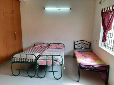Bedroom Image of Pintu North Indian PG in Thoraipakkam