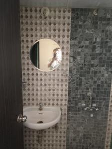 Bathroom Image of Studio Flat in Mundhwa