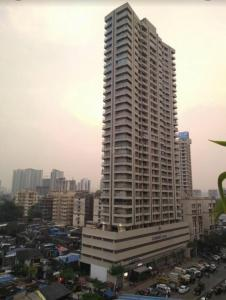 Gallery Cover Image of 1750 Sq.ft 3 BHK Apartment for rent in Lashkaria Green Height, Andheri West for 80000
