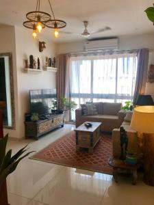 Gallery Cover Image of 1000 Sq.ft 2 BHK Apartment for rent in Runwal Elina, Sakinaka for 55000