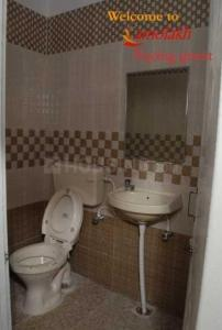 Bathroom Image of Amolakh Mens PG in Ashok Nagar