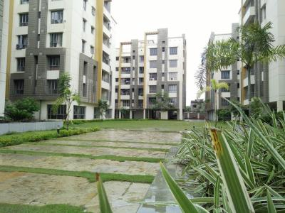 Gallery Cover Image of 1440 Sq.ft 3 BHK Apartment for rent in Space Clubtown Gardens, Ariadaha for 18000