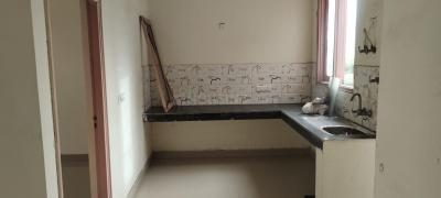 Gallery Cover Image of 1300 Sq.ft 2 BHK Apartment for rent in Lal Kuan for 8000
